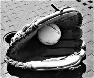 baseball-glove-858367__480