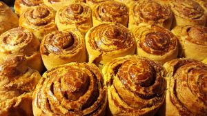 cinnamon_rolls_01