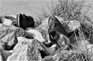 sandals-477436_1280